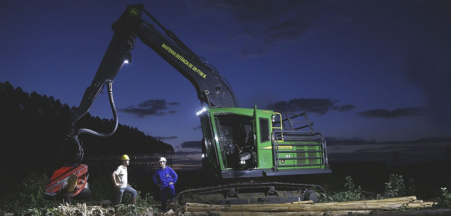 Máquina Florestal 2144G